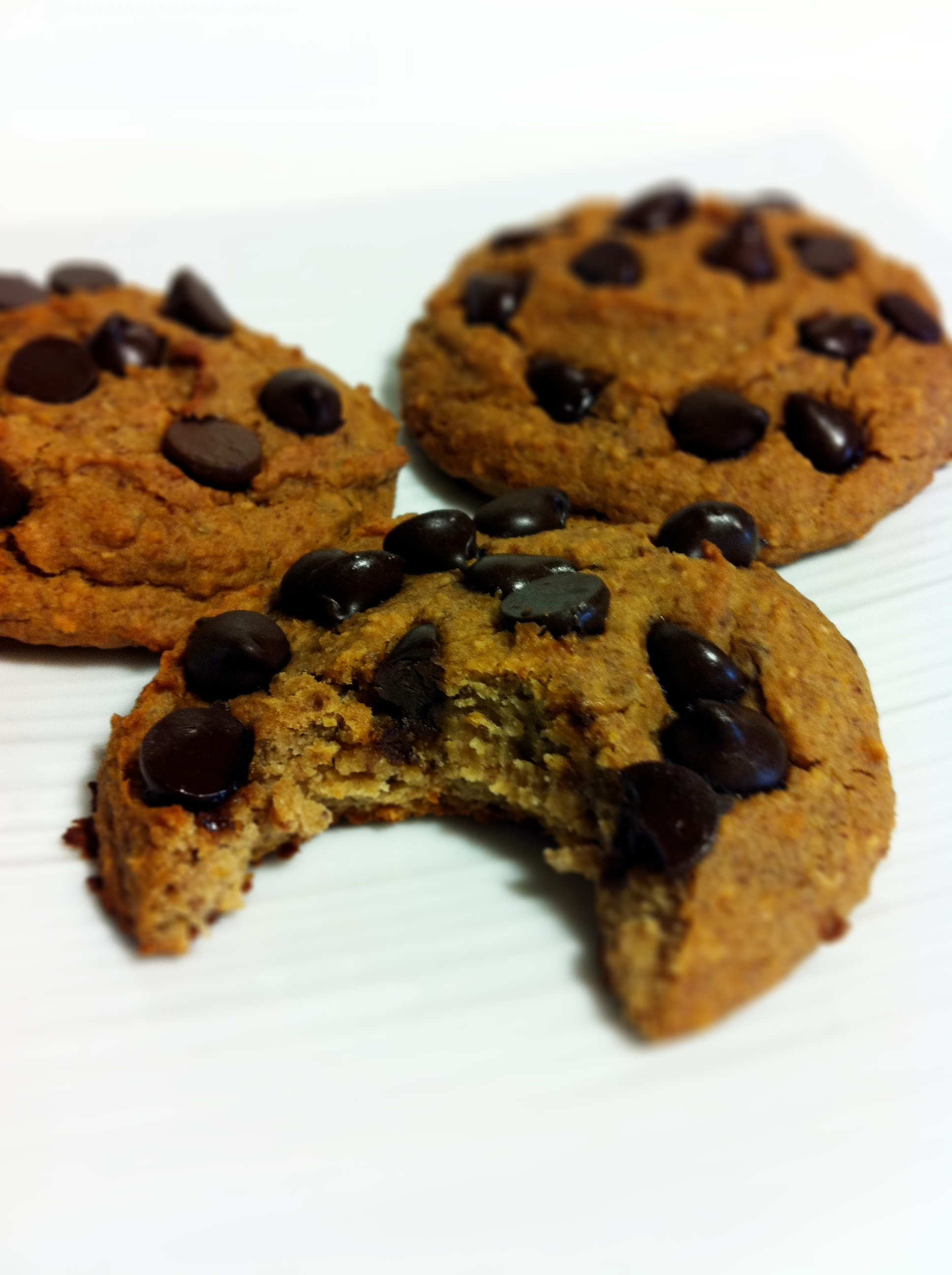 Healthy Chocolate Chip Cookies (with Gluten Free Thumb ...