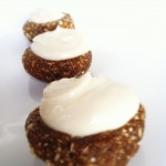 Raw Gingerbread Cheesecake Bites