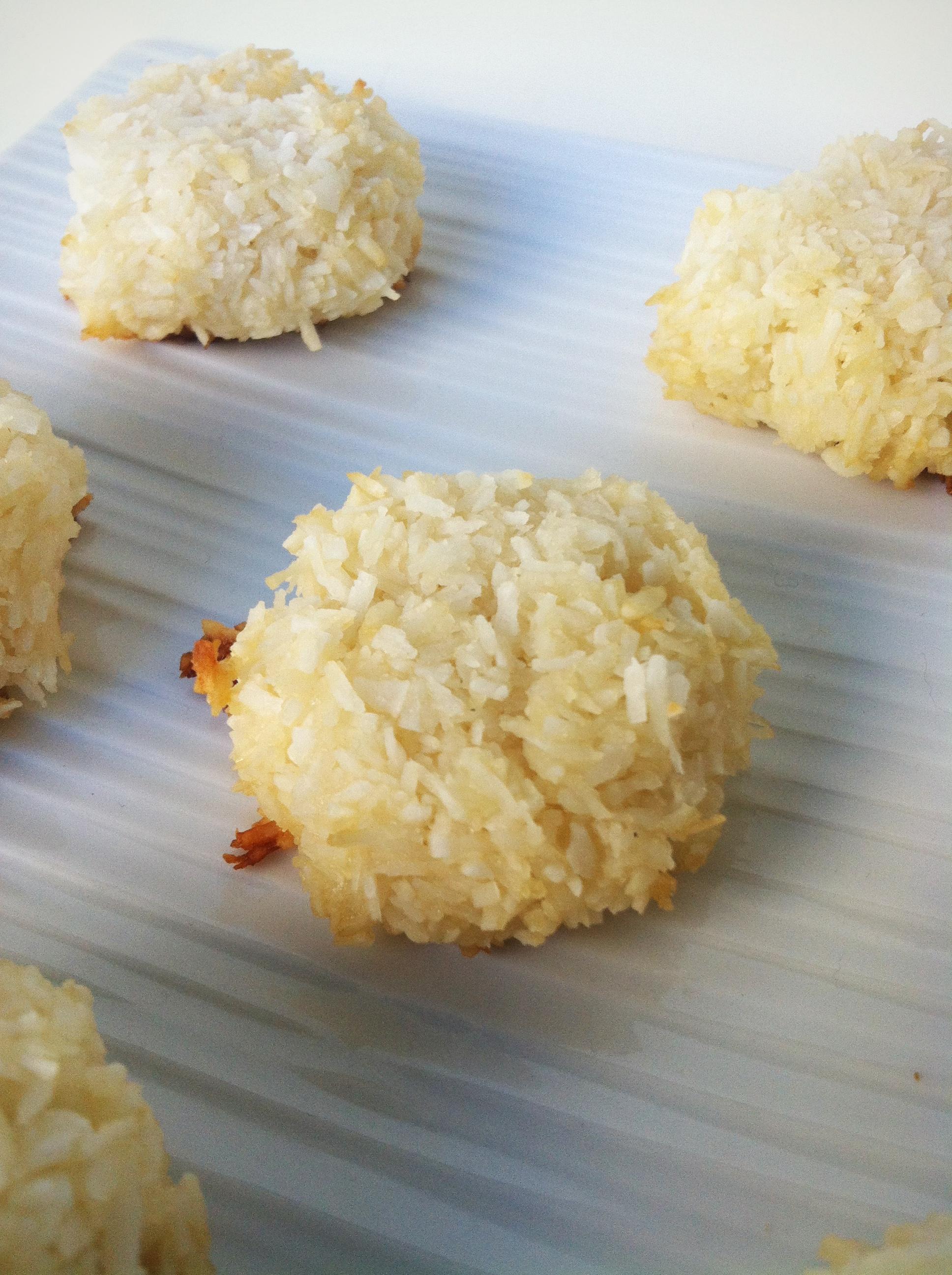 Clean Eating Coconut Macaroons
