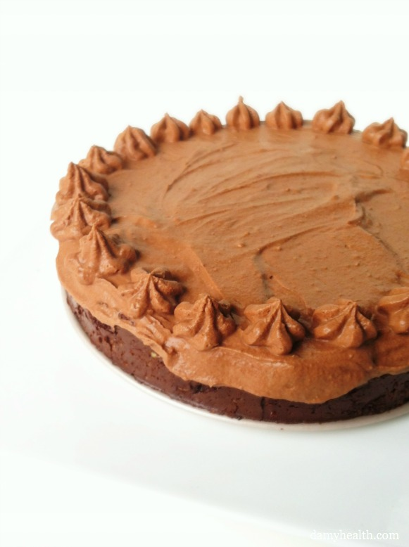 Chocolate Raw Mousse Pie