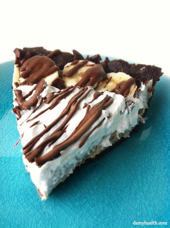 No Bake Raw Chocolate Banana Cream Pie