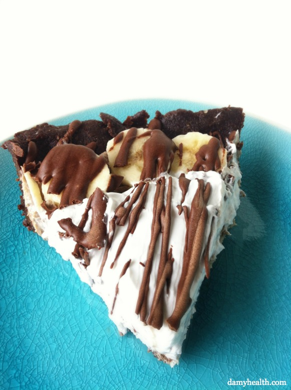 Healthy Chocolate Banana Cream Pie (GF, Raw and Vegan)