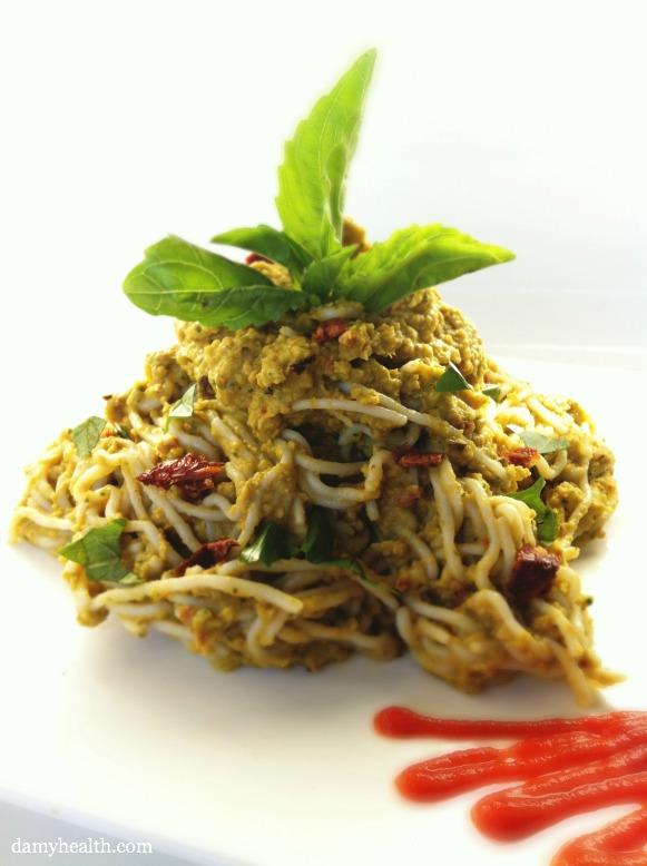 Creamy Vegan Sundried Tomato and Basil Pasta