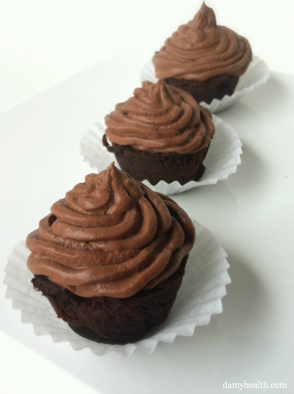 Skinny chocolate mousse cupcakes