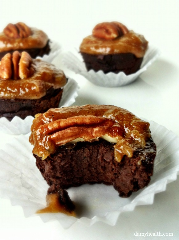turtle blackbean brownies with caramel topping